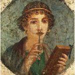 Immagine classica donna con matita e libro